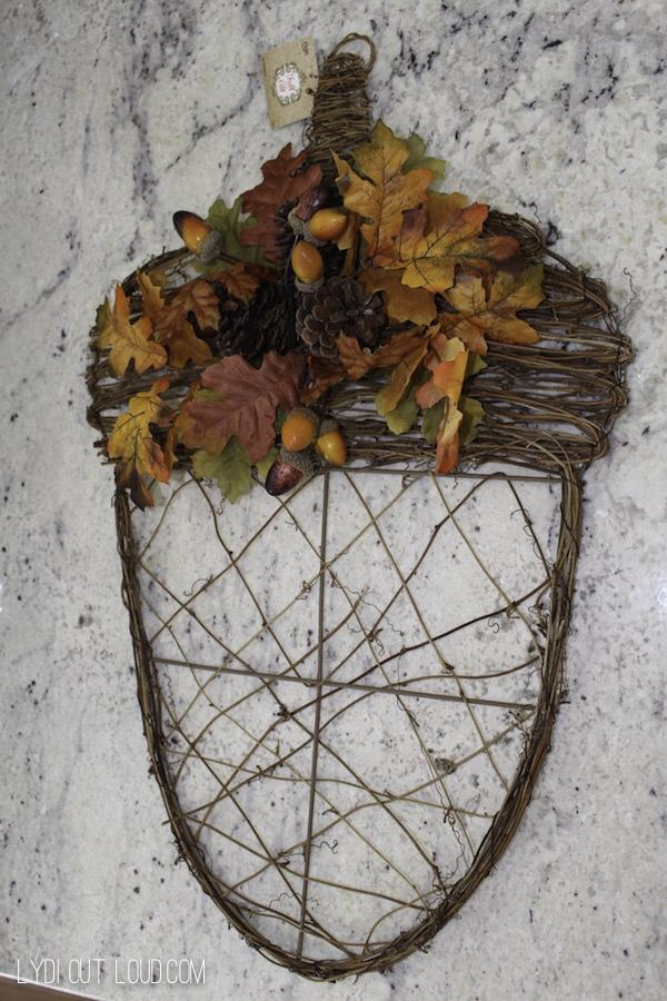 Acorn wreath before