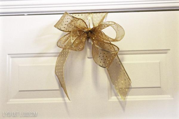 wreath hanger bow