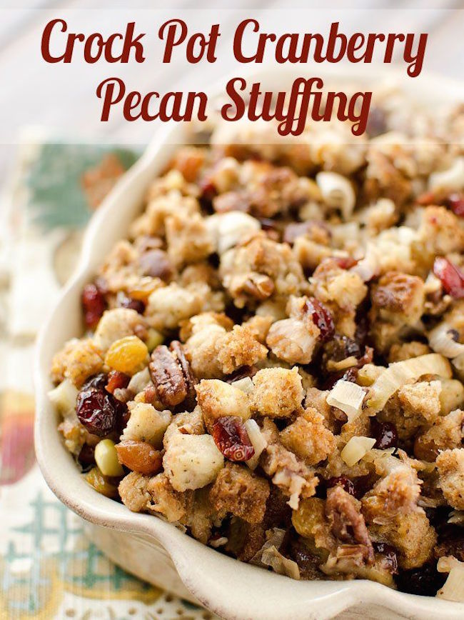 Delicious Crock Pot Cranberry Pecan Stuffing