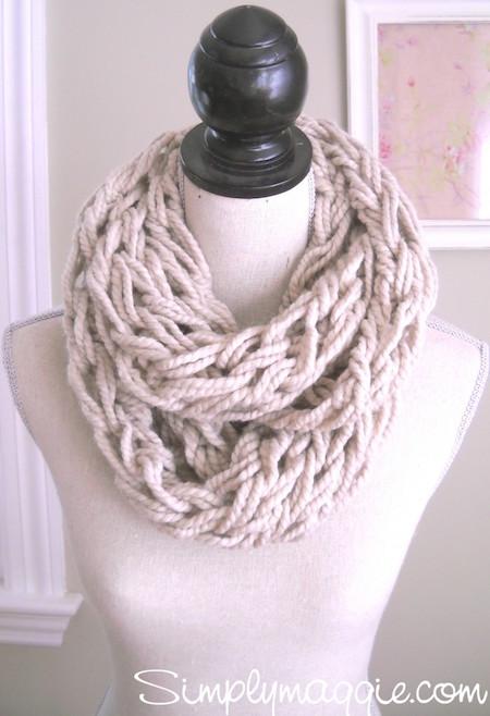 DIY Arm Knit Scarft - so easy!