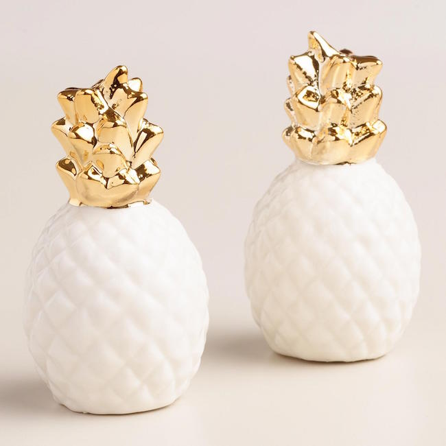 Gold pineapple salt and pepper shakers are right on trend and make a perfect hostess gift!