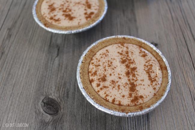 Top pie with cinnamon #EffortlessPies