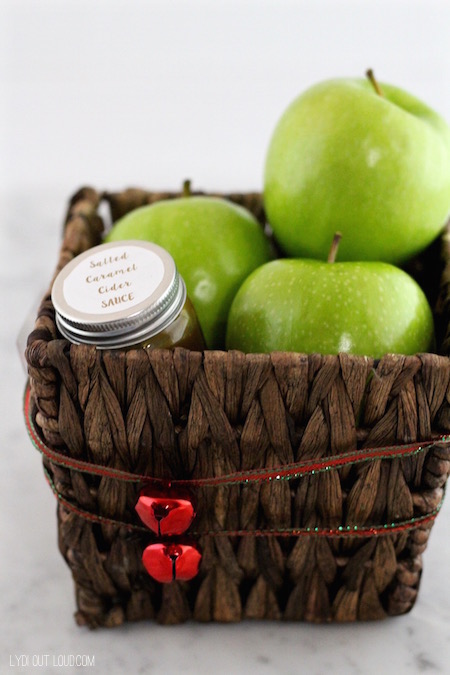 Salted Caramel Sauce with apples - great gift idea!