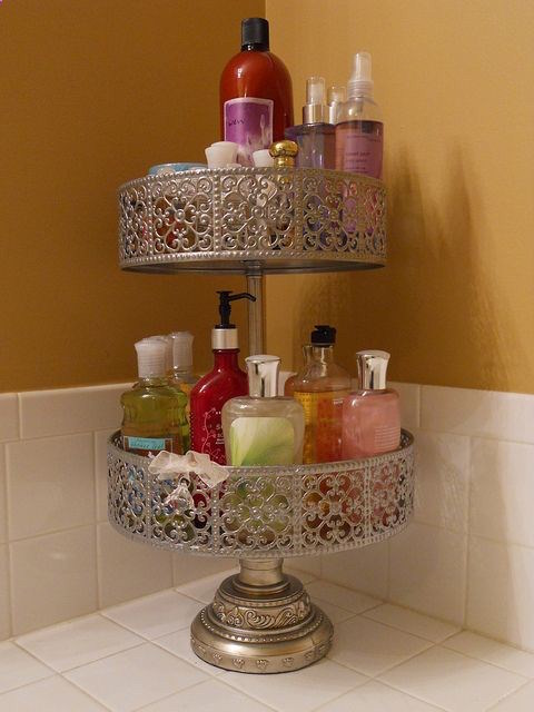 Store toiletries in a cupcake stand - so cute!