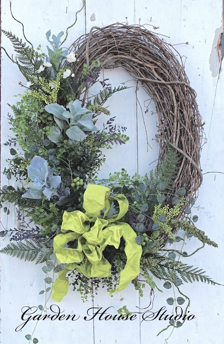 DIY Oval Spring Wreath
