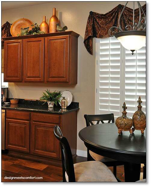 Copper kitchen accents