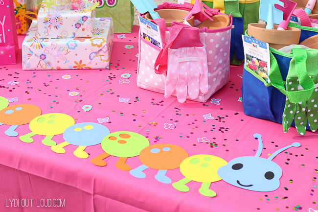 This caterpillar table runner is perfect for an outdoor birthday party!