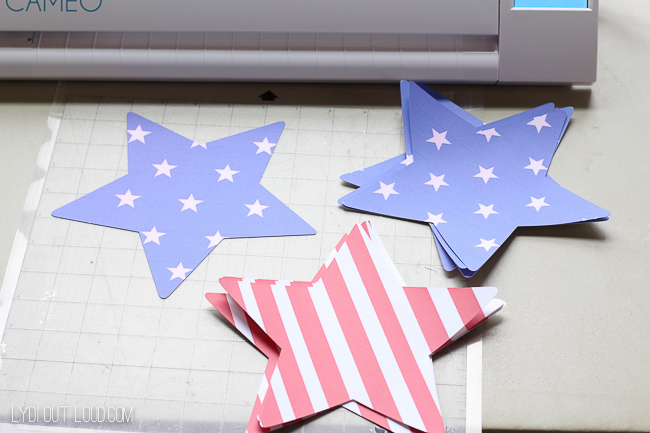 Star cut out's make perfect food placemats for a Memorial Day or 4th of July party!