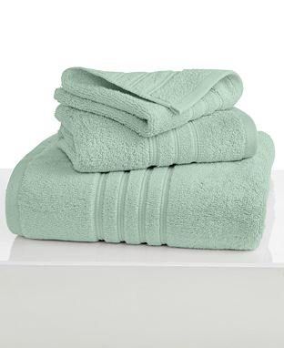 Towels for a 2 year wedding anniversary gift idea!