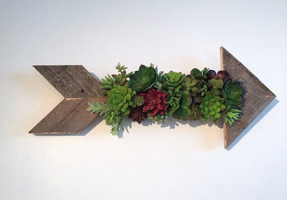 I love this rustic arrow succulent planter - would love this hanging from my living room wall!