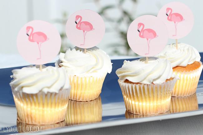 Flamingo topper cupcakes