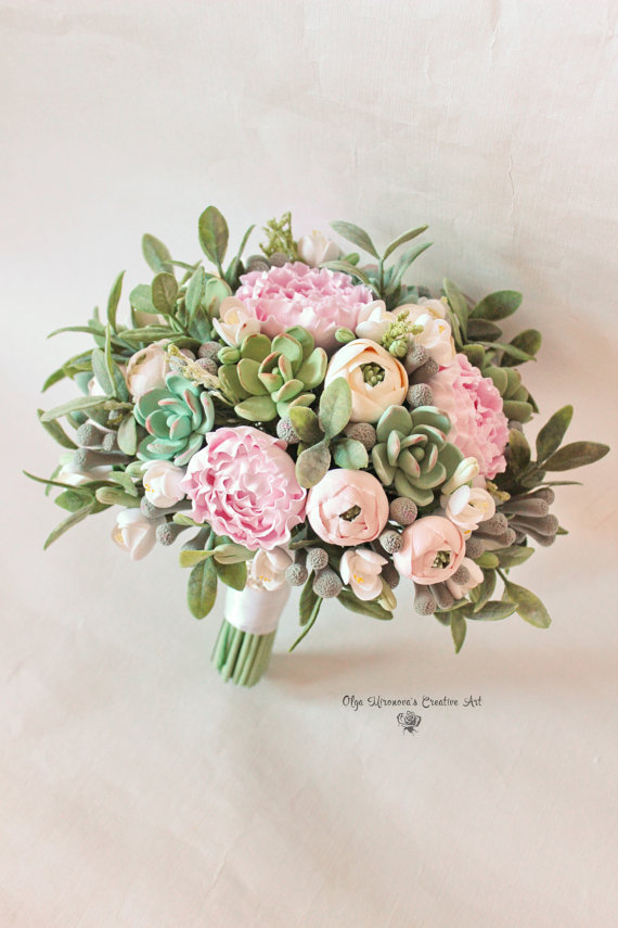 Succulent wedding bouquet - so gorgeous and elegant!