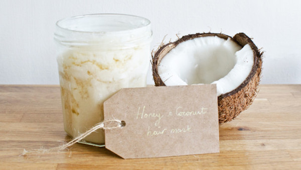 This Coconut Oil and Honey Hair Mask is the perfect deep conditioning treatment for dry, brittle or frizzy hair!