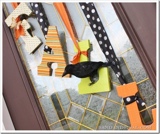 This Fall Door Decor is so cute and an easy DIY!