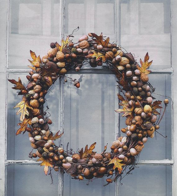 DIY Acorn Wreath is perfect for fall!