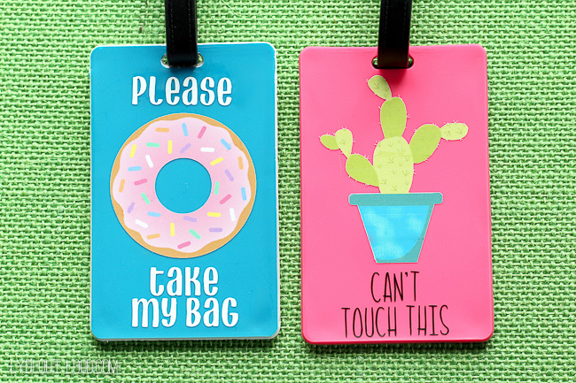These DIY luggage tags are so fun!