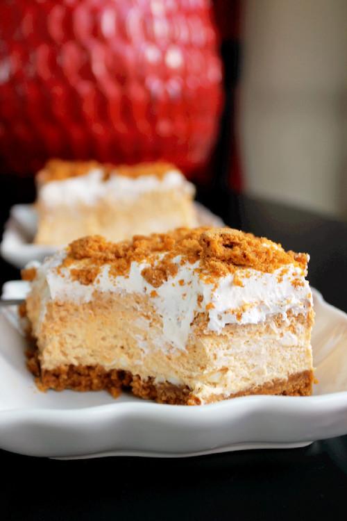 No Bake Pumpkin Cheesecake Lasagna - this is my kind of dessert!