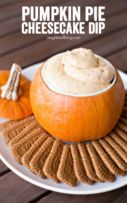 Pumpkin Pie Cheesecake Dip - this looks amazing!