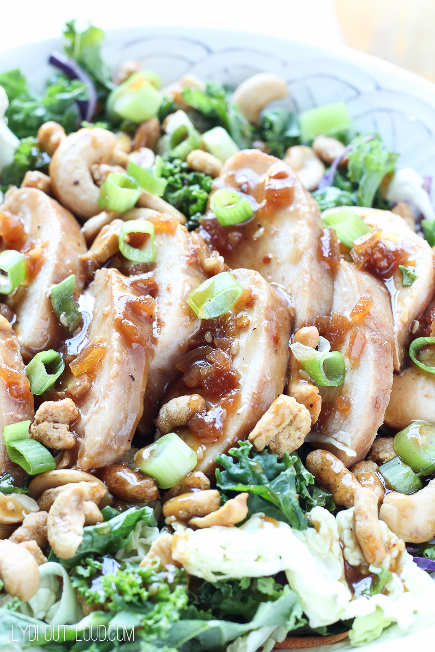 This Honey Ginger Sesame Chicken Salad is the perfect healthy meal - full of flavor, crunch and superfoods!