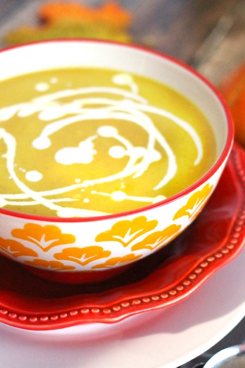Delicious Pumpkin Curry Soup - perfect flavors of fall!