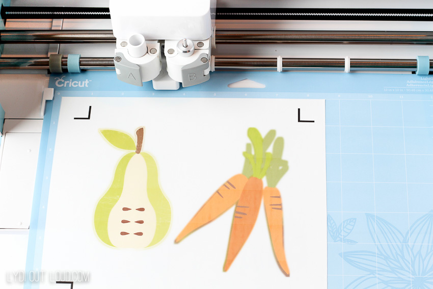 Print then cut with Cricut machine to make these adorable DIY Kitchen Towels