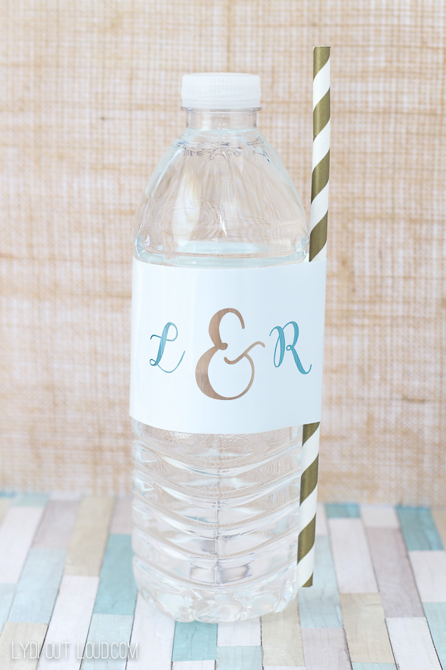 Monogram Water Bottles for wedding guests - such a cute DIY!