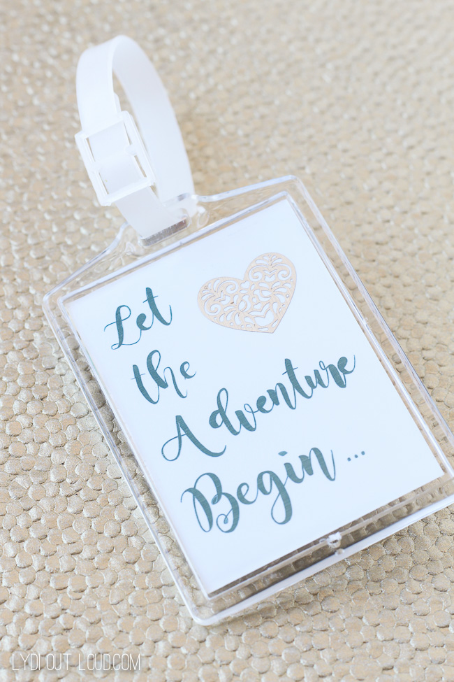 Easy DIY Luggage Tag Wedding Favor