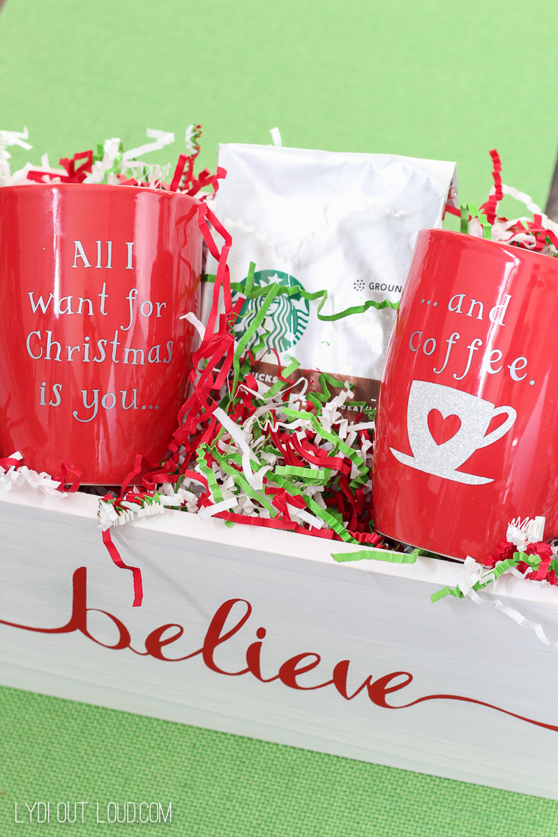 Such a fun gift idea - DIY Christmas Coffee Mugs coffee gift set.