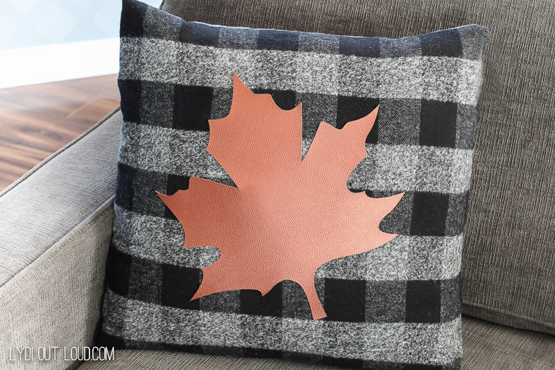 Easy no-sew buffalo check fall pillow!