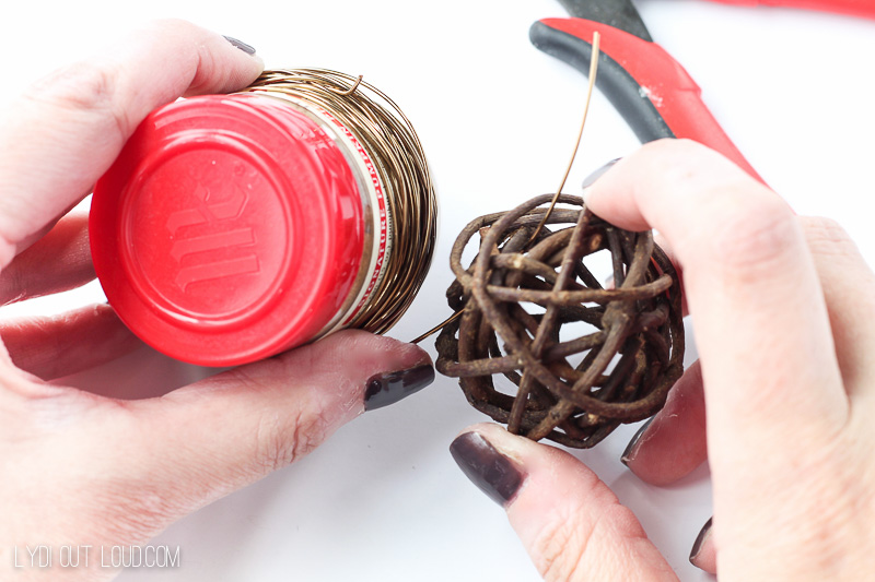 DIY Napkin Rings with Grapevine and Brass Wire