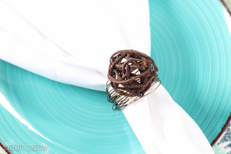 Grapevine and Wire DIY Napkin Rings