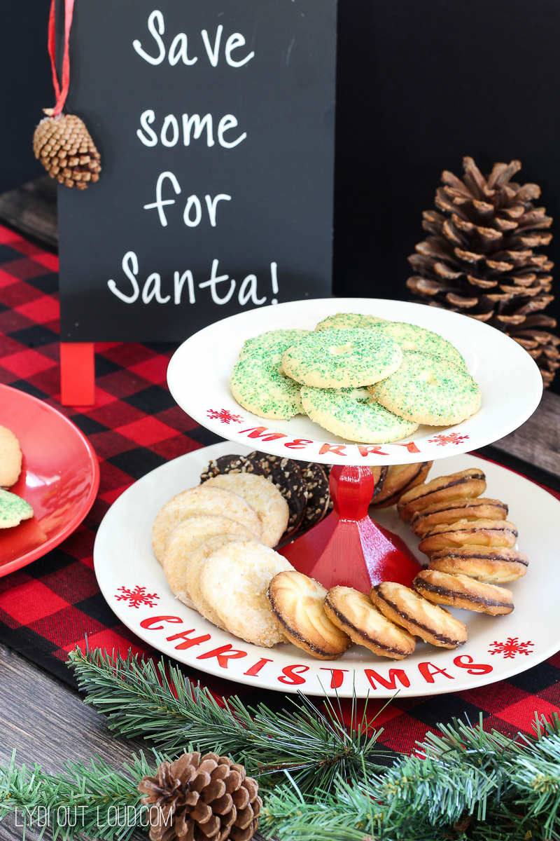 DIY Christmas Cookie Stand - so easy and fun!