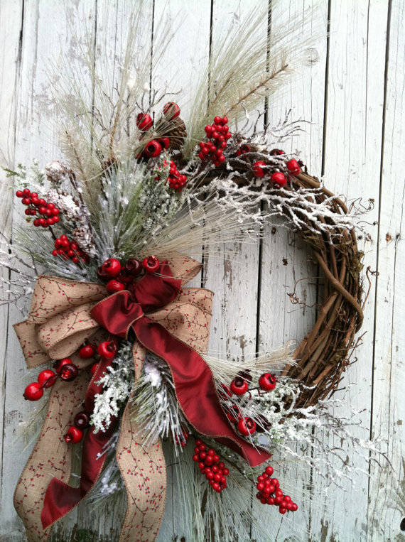Red and White Holiday Wreath with Sparkles - so beautiful!