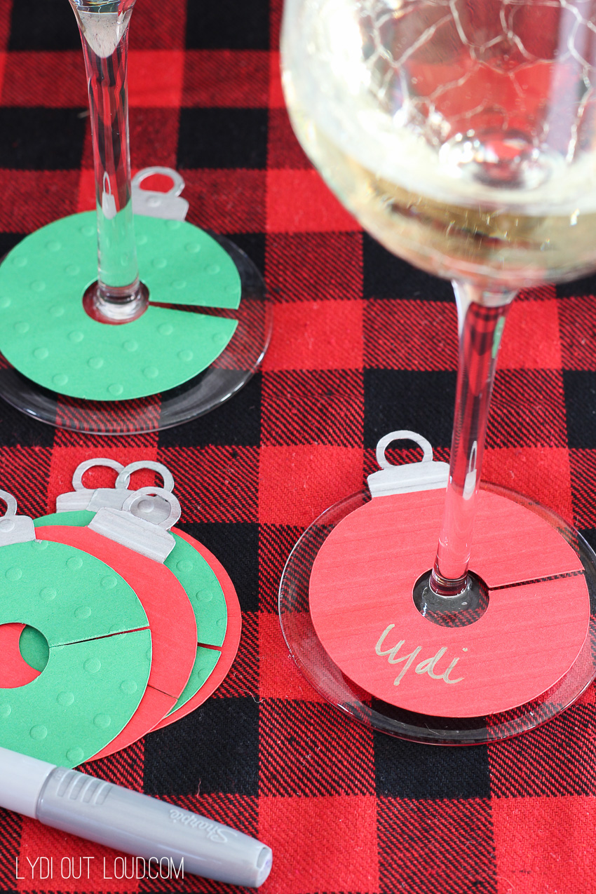 DIY Ornament Wine Charms - so perfect for Christmas and holiday parties!