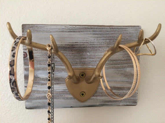 Deer Antlers Jewelry Holder - this is so pretty and would make such a great Christmas gift!