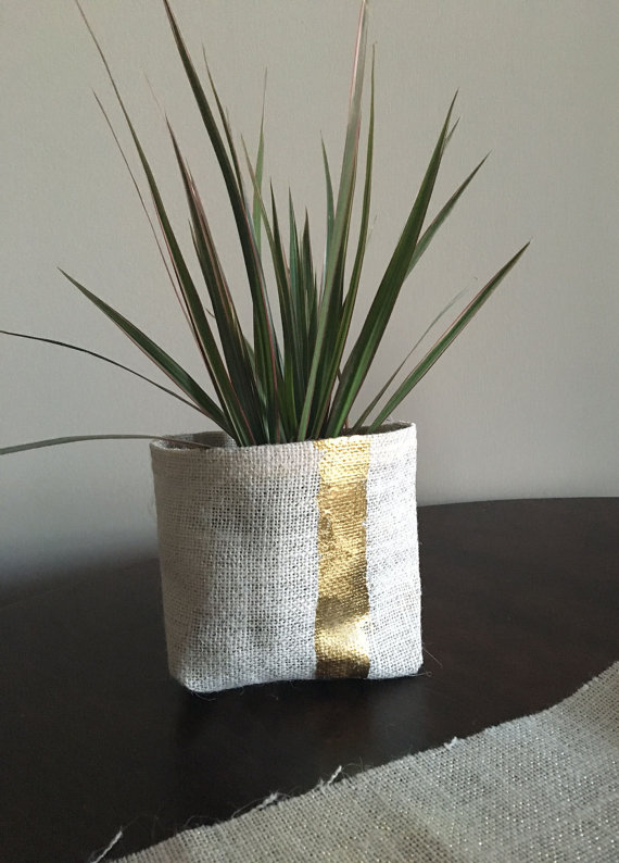 This Gold Foil and Burlap Planter is just gorgeous!