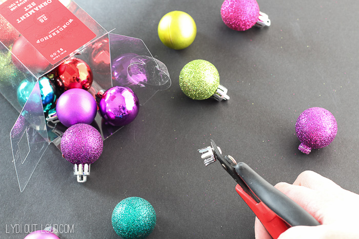 DIY Cocktail Stirrers made out of chopsticks and mini ornaments - so cute!