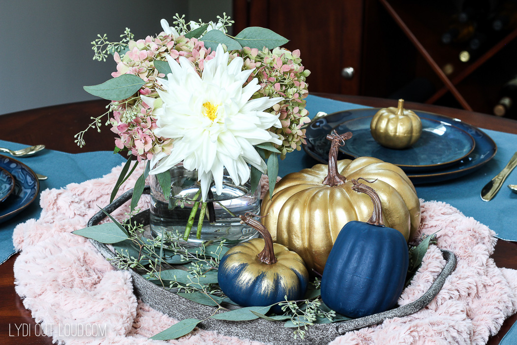 This Farmhouse Glam Fall Centerpiece is stunning!
