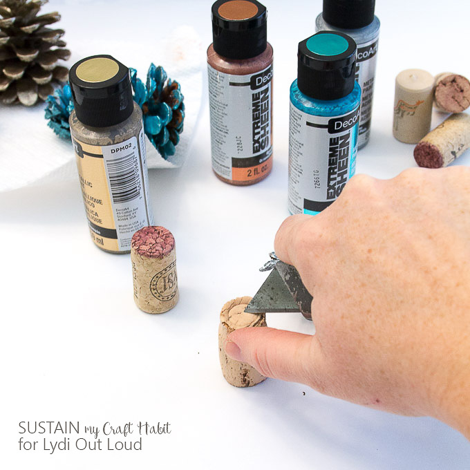 Painted pine cone wine cork tree stumps