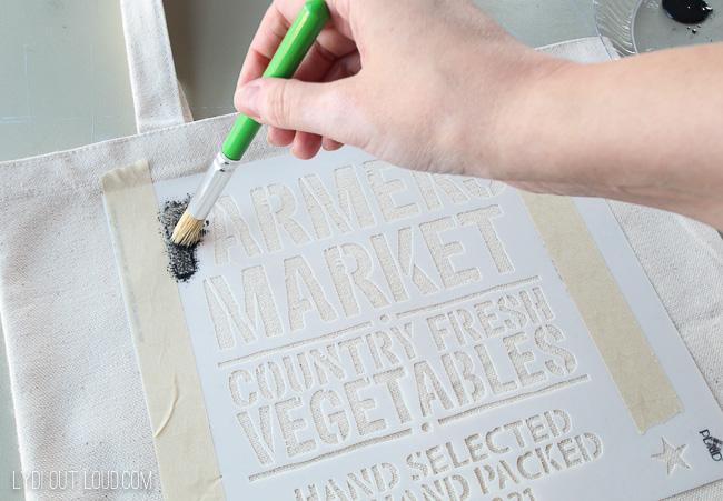 DIY Tote Bag stenciling