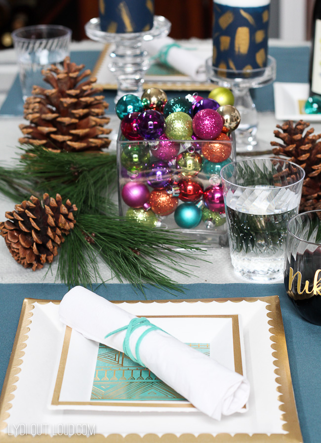 Festive Boho Glam Holiday Tablescape #tablesetting #tablescape #boho #holidayparty