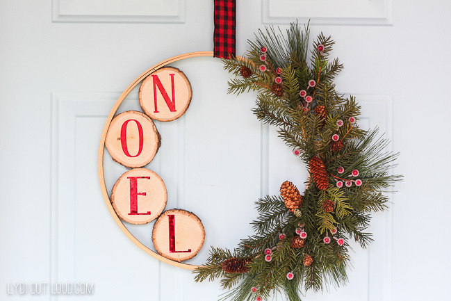 DIY Embroidery Hoop Wreath for Christmas