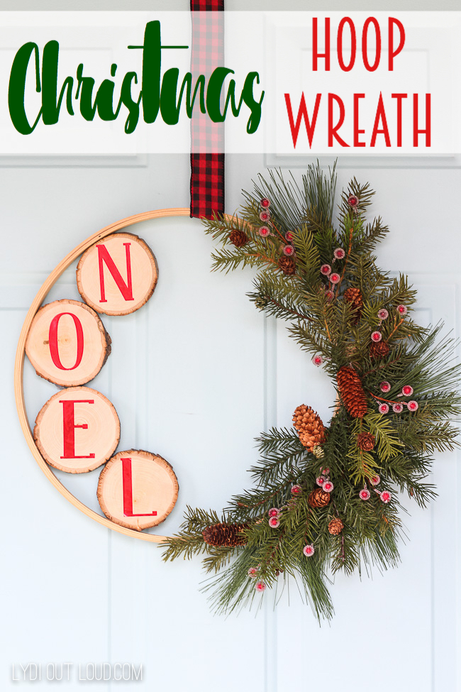 DIY Christmas Embroidery Hoop Wreath #DIYChristmasWreaths #ChristmasWreaths #DIYChristmasDecor #EmbroideryHoopWreath