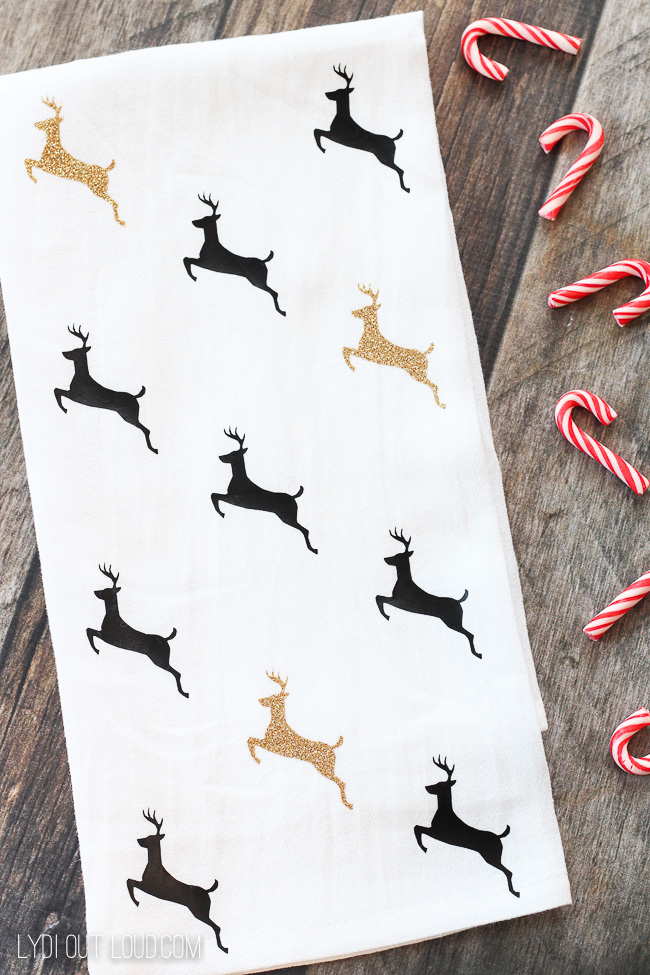 Deer silhouette Christmas Tea Towel #christmasdecor #christmasgiftideas #cricut