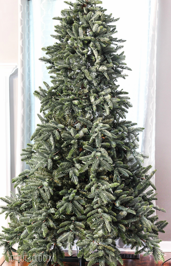 Tree Classics Deluxe Noble Fir Snap Tree with real feel needles