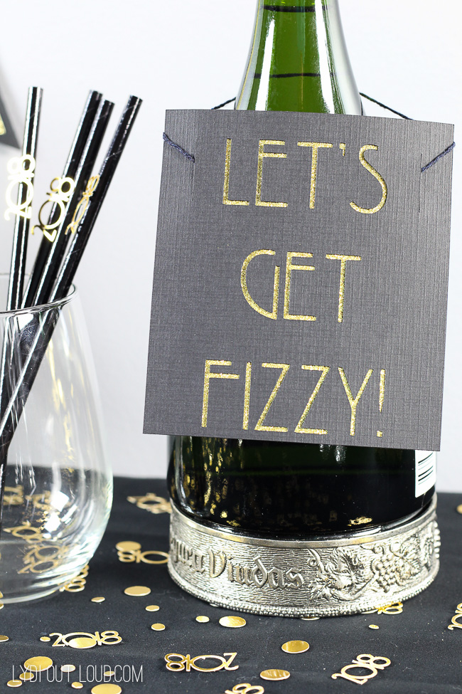 Let's Get Fizzy Bottle Tag #NewYears #NewYearsEve #partydecorations