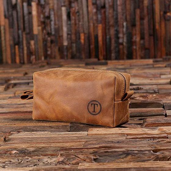 Monogrammed Leather Dopp Kit #3yearanniversarygifts #anniversarygifts #leathergifts #giftsforhim
