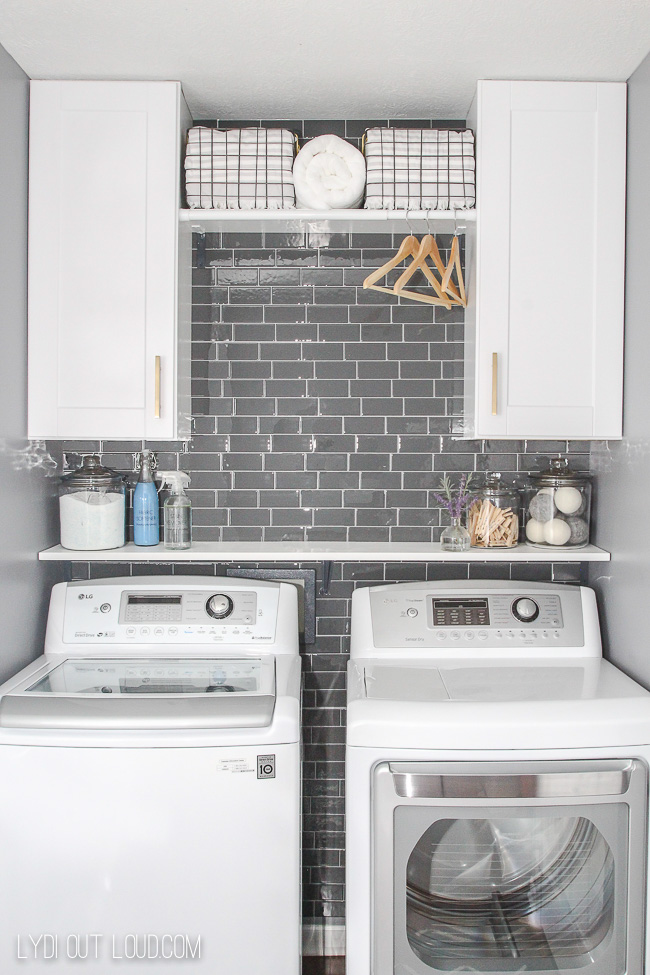Laundry room makeover #laundryroommakeover #smalllaundryroom #laundryroomdecor