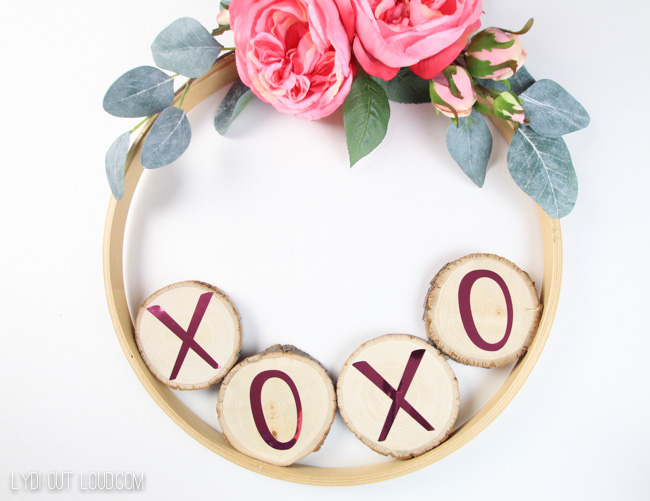 DIY XOXO Wreath for Valentine's Day
