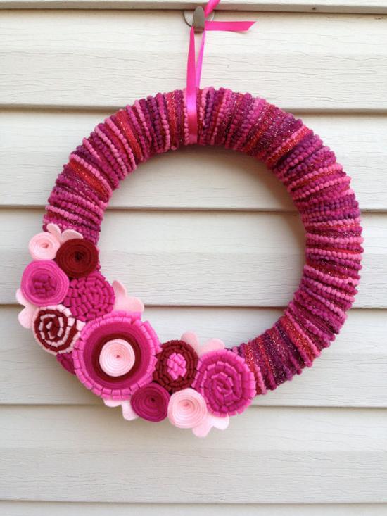 Yarn and Felt Valentine's Wreath